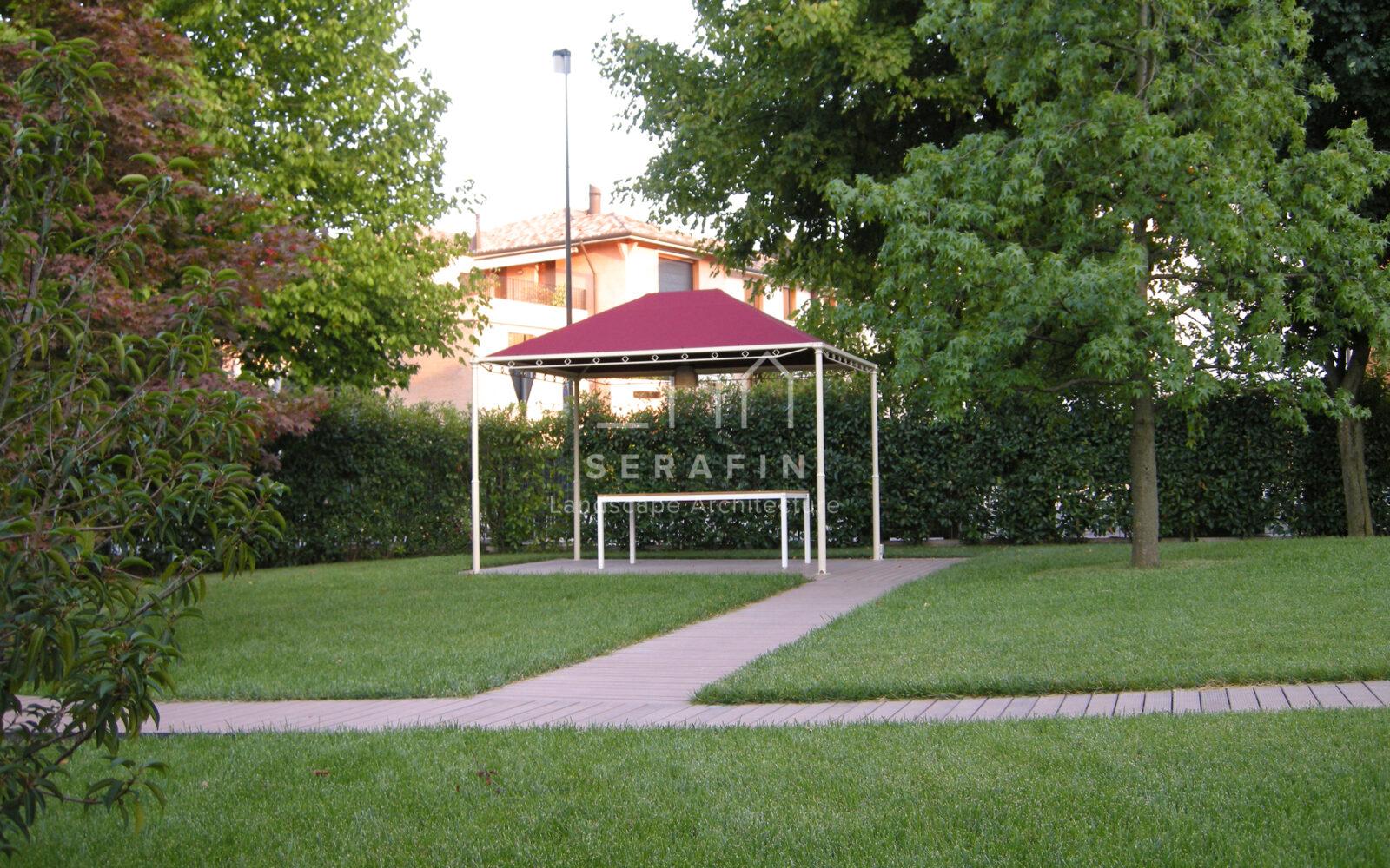 giardino privato con erbacee perenni a Treviso - 6